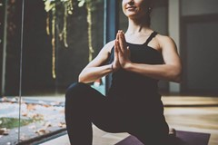 7 Self-Instructed Yoga Poses for Your Home Practice