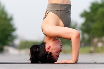 How to Safely Practice Headstand